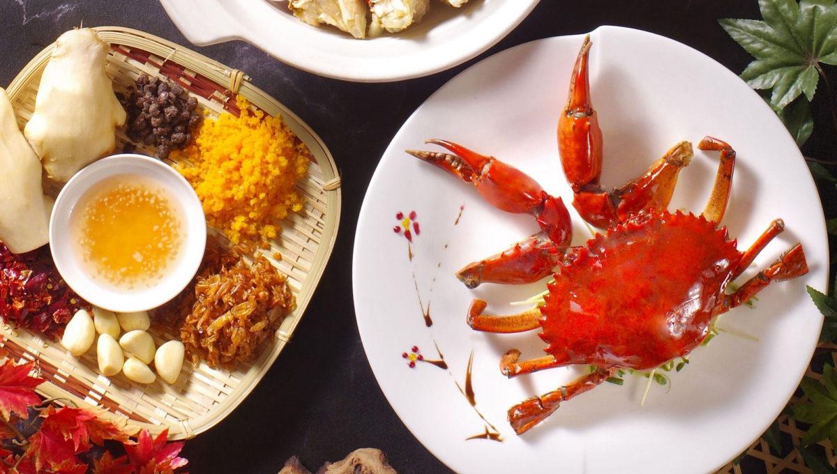 「品蟹宴」持紙本振興五倍券付款享大閘蟹美饌加1元多1隻!